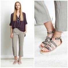 Esta #temporada las prendas #oversize están de moda y TELVA nos aconseja, una #blusa estampada, un #pantalón adele y nuestras #sandalias anudadas de piel, para crear el #look.  #Exe #Exeshoes #execalzado #sandalis #sandaliasexe