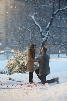 Snowy and romantic marriage proposal in Central Park NYC! #wedding #marriage #love