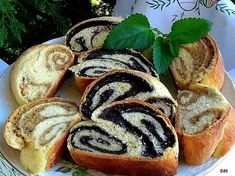 Useful articles and recipes: Zala ruffled poppy-walnut strudel Hungarian Recipes, Hungarian Food, Strudel, Hot Dog Buns, Sushi, Favorite Recipes, Sweets, Bread, Meals