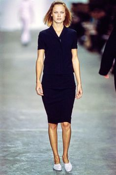 See the complete Calvin Klein Collection Spring 1998 Ready-to-Wear collection.