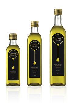 Turó Blanc Olive Oil Packaging
