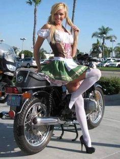 Classic Car Insurance – Information And Tips – Best Worst Car Insurance German Girls, German Women, Octoberfest Girls, Oktoberfest Costume, German Oktoberfest, Beer Maid, Business Outfits Women, Beer Girl, Dirndl Dress