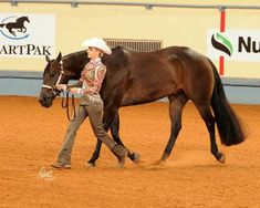 It always makes the overall picture look great when the exhibitor's stride matches the horses's!