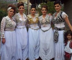 Albanian Culture, Bridesmaid Dresses, Wedding Dresses, Kaftan, Photos, Gold, Fashion, Drawing Drawing, Bride Maid Dresses
