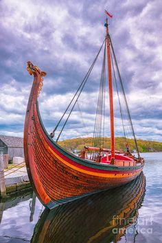 Ship Photograph - The Draken 3 by Joe Geraci Guerrero Tattoo, Norwegian Vikings, Old Sailing Ships, Viking Reenactment, Viking Culture, Wooden Boat Building, Early Middle Ages, Float Your Boat, Viking Ship