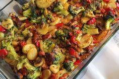 ❤️ Broccoli ovenschotel met aardappel anders Diner Recipes, Oven Recipes, Brunch Recipes, Low Carb Recipes, Chicken Recipes, Cooking Recipes, Healthy Recipes, Happy Foods, Chicken Broccoli