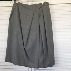 fc5c1ed6f Lafayette 148 pleated skirt with bubble trim Classic style gray Lafayette  148 skirt. It has
