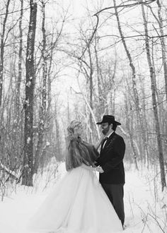 'Must haves' for a winter themed wedding. http://www.weddingthingz.com/1/post/2013/09/must-haves-elements-for-a-winter-wedding.html