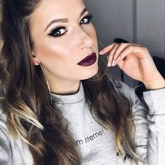 Team Internet 🙌🏻💕 Ich bin dann mal wieder auf der Upper East Side 😃 #GossipGirl #TeamChuck ✨Habt einen wunderbaren Abend✨  #lipstick#lippenstift#schminke#makeup#highlighter