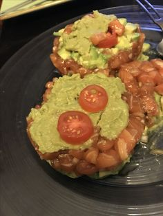Mi tartar de salmón, aguacate y guacamole