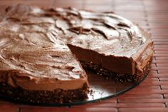 Better than Nutella? What could it be? Oh, just this Better Than Nutella Almost Raw Chocolate Hazelnut Cheesecake.