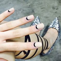 #jimmychoo #nails #unistella                              …