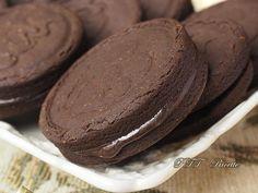 Biscotti secchi al cacao senza uova e senza burro. #biscotti #secchi #cacao #cioccolato #senzaburro #senzalatte #senzauova #pasticceria #colazione #ricetta #recipe #italianfood