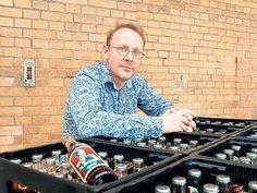 So schmeckt der Wald - Ein Niederländer braut in Berlin Limonade nach russischem Rezept. Wostok schmeckt herb-würzig und ist in immer mehr Cafés, Kneipen und Geschäften zu bekommen. http://www.qiez.de/kreuzberg/shopping/essen-trinken-und-genuss/die-kraeuerlimonade-wostok-wird-in-berlin-von-einem-hollaender-produziert/5306504 via @ qiez