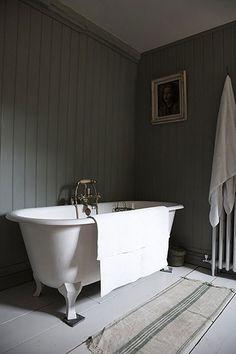 Lovely Stonington Gray Bathroom