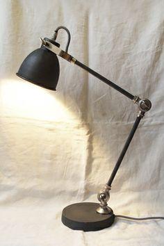 Berkeley Desk Lamp - MAKIE