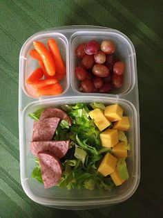 Simple and easy salad (work lunch box healthy) Healthy Lunches For Work, Healthy Snacks For Kids, Healthy Foods To Eat, Easy Healthy Recipes, Healthy Eating, Easy Snacks, Easy Lunch Boxes, Lunch Box Recipes, Lunch Snacks