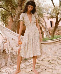 Farah Midi Dress in Medina Floral Print Vintage Yellow by Faithfull The Brand Look Vintage, Vintage Yellow, Mid Length Dresses, Short Sleeve Dresses, Boho Fashion, Fashion Outfits, 80s Fashion, Fashion Quiz, Vintage Fashion