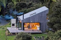 Back Country House by LTD Architectural « Inhabitat – Green Design, Innovation, Architecture, Green Building Accordion Glass Doors, Casas Containers, Cabins In The Woods, Open House, Tiny House, House 2, Small Houses, Future House, Modern Architecture