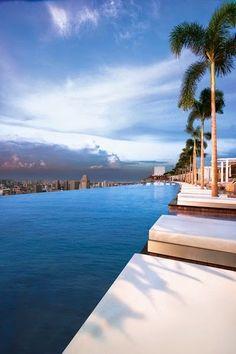 Paradise in the World - Marina Bay Sands Hotel - Singapore.
