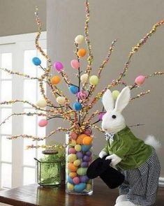 DIY Easter Decorations ideas are amazing. Get best Easter decor ideas & easy Easter decorating tips here, including Easter decorations for home & Easter DIY Hoppy Easter, Easter Eggs, Spring Crafts, Holiday Crafts, Diy Easter Decorations, Easter Centerpiece, Christmas Decorations, Centerpieces, Outdoor Decorations