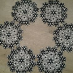 Crochet Tablecloth Pattern, Crochet Doilies, Bead Crochet, Crochet Necklace, Beaded Ornaments, Beaded Bags, Plastic Canvas, Beaded Embroidery, Floral