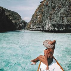 Crystal clear and happy as can be sailing картинки парижа, отпуск и путешес Wanderlust Travel, Tumblr Ocean, Photo Ocean, Travel Couple Quotes, Places To Travel, Travel Destinations, Surf, Photo Summer, Photos Voyages