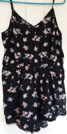 LADIES black floral print playsuit Size 16 by New Look  fashion  clothing   shoes fc86f4274