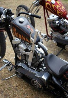 Jockey Shift > Mesteños Motorcycles and Hotrod