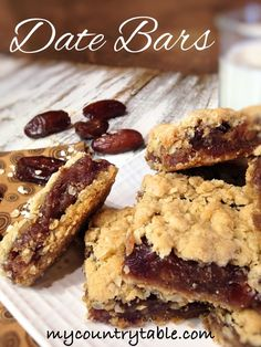 Date Bars - These Date Bars are sinfully delicious with their sweet & thick date filling and brown sugar oatmeal crumb topping. - My Country Table Baking Recipes, Cookie Recipes, Dessert Recipes, Bar Recipes, Potato Recipes, Oatmeal Cookie Bars, Date Bars, Buttery Shortbread Cookies, Eggless Baking