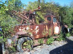 Just Tow Trucks - oldirongarage Freightliner Trucks, Tow Truck, Vintage Trucks, Antique Cars, Automobile, Junk Yard, Iron, Yard Art, Astronomy