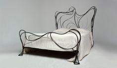 http://3.bp.blogspot.com/-C82GZoXndDg/UbNAO_jUqDI/AAAAAAAAJ8I/dXJc3_qlX4k/s1600/Steel-Bed-Frame.jpg