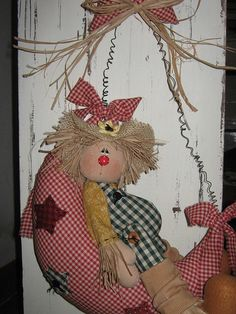 Espantalho na lua Sewing Toys, Sewing Crafts, Sewing Projects, Doll Crafts, Diy Doll, Doll Clothes Patterns, Doll Patterns, Marionette, Country Crafts