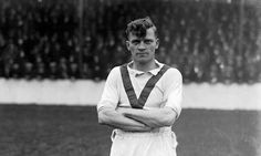 7. Joe Spence -                                                  Well he is one of the earliest players who played for Man Utd in this list. He played for Man Utd from 1919-1933. He played as a Centre-Forward and managed to score 168 goals in 510 matches.♥