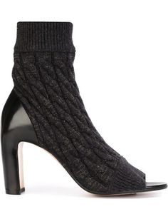 Shop Maison Margiela cable knit sock ankle boots in Raionul 4 from the world's best independent boutiques at farfetch.com. Shop 300 boutiques at one address.