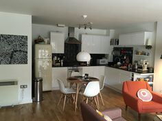 White handleless kitchen, oak floor and fly lamp 2016 updates