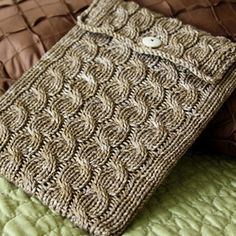 Free Knitting Pattern - Phone, Tablet & Laptop Covers: Cabled iPad Sleeve