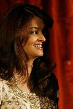 Aishwarya Rai Makeup, Ash, Queen, Female, Celebrities, Beauty, Gray, Celebs, Beauty Illustration