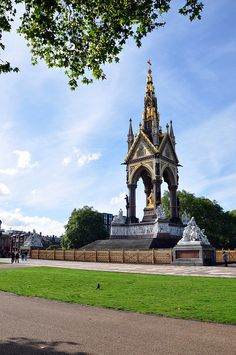 Albert Memorial - Hyde Park - London. Great monument in the heart of London's Hyde park.