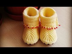 Making Booties for Beaded Baby Girls - Crochet - Complete - Knitting Baby Girl, Baby Knitting Patterns, Baby Boots, Knit Crochet, Slippers, Booty, Pure Products, Babies, Pretty