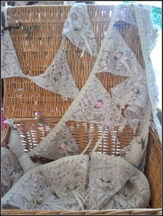 Vintage lace bunting as the aisle runner? Shabby Chic Bunting, Lace Bunting, Fabric Bunting, Bunting Garland, Bunting Ideas, Buntings, Vintage Bridal, Vintage Lace, Christmas Tree Costume