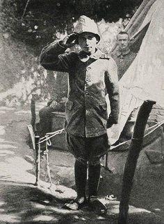 Çanakkale Savaşında Osmanlı Ordusunda Gönüllü Bombacı olan 15 yaşındaki Ali Reşat Çavuş