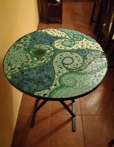 Best 10 My new top 'Tanura' available for purchase, diameter: 60 cm – SkillOfKing. Mosaic Crafts, Mosaic Projects, Mosaic Designs, Mosaic Patterns, Mosaic Tray, Mosaic Tables, Mosiac Table Top, Stone Mosaic, Mosaic Glass
