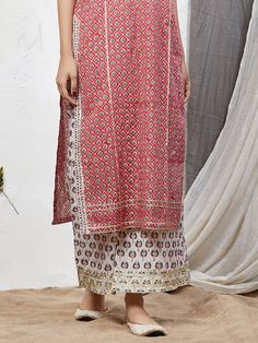 Red White Hand Block Printed Cotton Kurta with Palazzo - Set of 2 Simple Kurti Designs, Kurta Designs Women, Blouse Designs, Indian Attire, Indian Outfits, Indian Clothes, Indian Wear, New Style Suits, Kurta Palazzo
