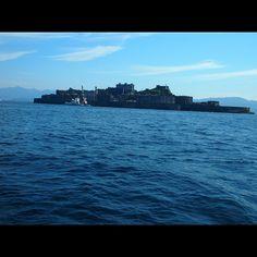 """""""たたずむ軍艦。  ひとつ前の写真も軍艦島でした。"""""""