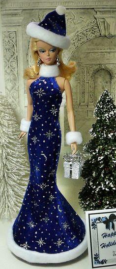 Barbie Wedding Dress, Barbie Gowns, Barbie Dress, Barbie Patterns, Doll Clothes Patterns, Christmas Barbie, Christmas Fashion, Beautiful Barbie Dolls, Pretty Dolls