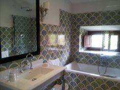 Pv bathroom - amazing tiles!