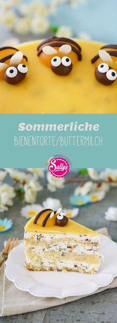 Die Buttermilch-Stracciatella Torte ist gefüllt mit fruchtigen Aprikosenstücken und dekoriert mit Aprikosen-Bienen.