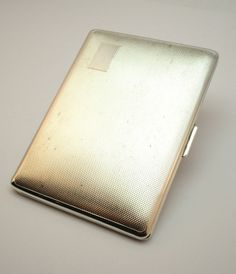 ANTIQUE ART DECO  ARISTOCRAT  SILVER PLATED ENGINE TURNED CIGARETTE / CARD CASE