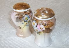 Hey, I found this really awesome Etsy listing at https://www.etsy.com/listing/154114117/vintage-salt-pepper-shakers-hand-painted